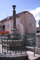 La fontaine de l'église, Noroy-le-Bourg